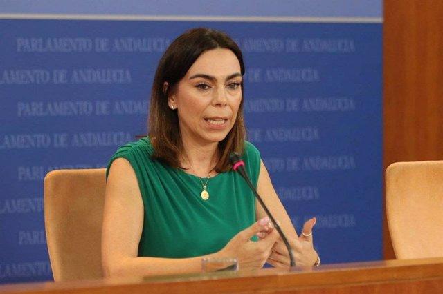 La portavoz de Cs en el Parlamento de Andalucía, Teresa Rodríguez, este miércoles en rueda de prensa.