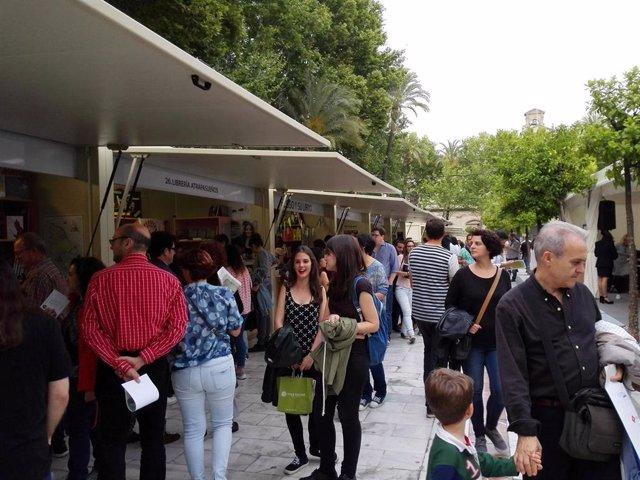 Feria del Libro en la Plaza Nueva, en una foto de archivo.