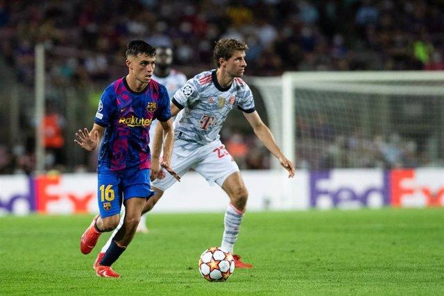 Pedri en el Barcelona - Bayern