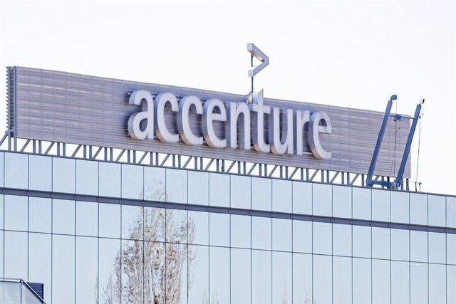 Archivo - Sedes de la empresa Accenture en el Parque Empresarial La Finca de Pozuelo de Alarcón, en Madrid.