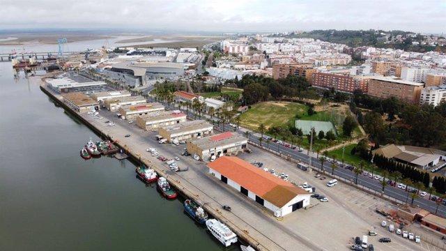 Panorámica del Muelle de Levante de Huelva (archivo)