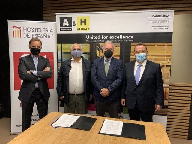 Firma del convenio entre Fira de Barcelona y la Cehe