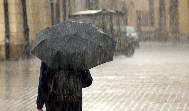 Archivo - Previsto aviso naranja por lluvias en la Sierra Norte