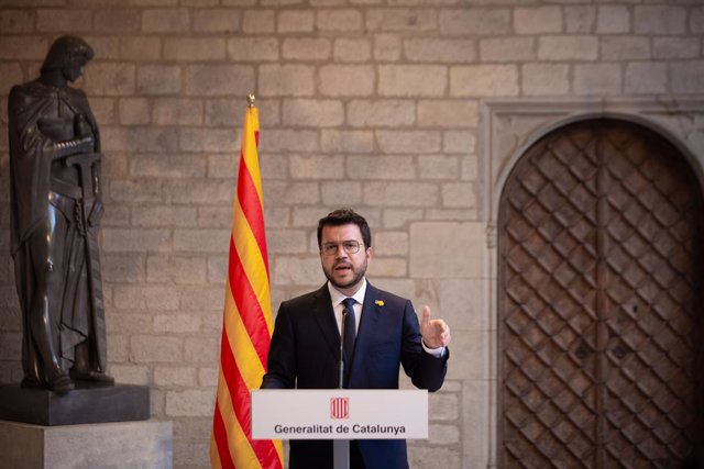 El president de la Generalitat, Pere Aragonès, en roda de premsa en el Palau de la Generalitat després de reunir-se amb el president del Govern, Pedro Sánchez.