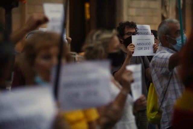 Manifestació dels CDR com a protesta davant la segona reunió de la taula de diàleg