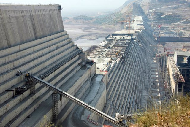 Archivo - FILED - 25 November 2017, Ethiopia, Guba: The construction site of the Grand Ethiopian Renaissance Dam in the northwest of Ethiopia. The last round of the tripartite meetings called by the US administration between Egypt, Sudan and Ethiopia over