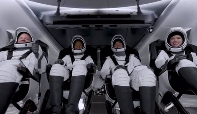 Los cuatro tripulantes de Inspiration 4 antes del lanzamiento