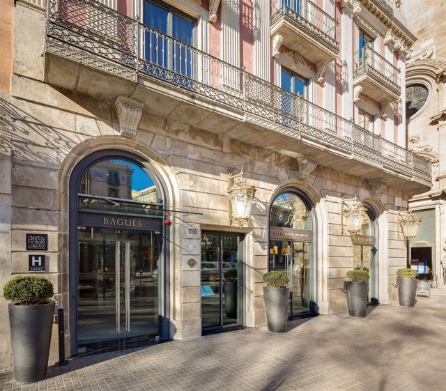 Façana de l'Hotel Bagués de Barcelona