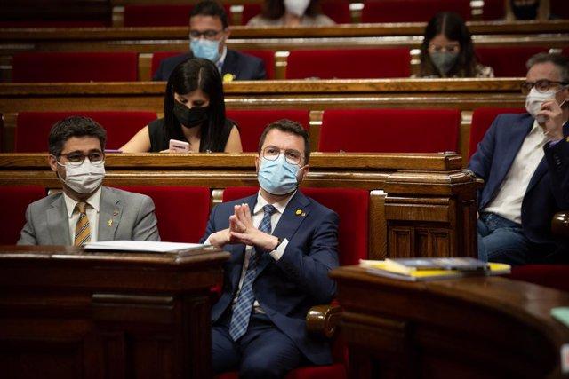 Archivo - Arxiu - El vicepresident de la Generalitat, Jordi Puigneró, i el president, Pere Aragonès