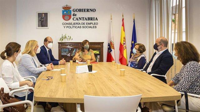 La Consejera De Empleo Y Políticas Sociales, Ana Belén Álvarez, Se Reúne Con Responsables De Los Centros Especiales De Empleo De AMICA, AMPROS E Ilunion.