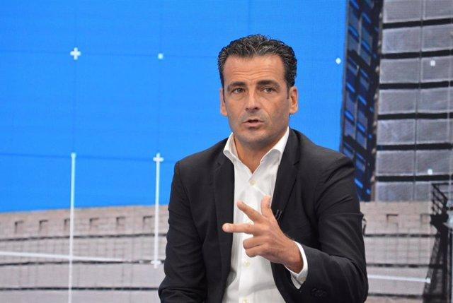 El director general d'À Punt Mèdia, Alfred Costa, en la roda de premsa oferida aquest dijous per a presentar la nova temporada d'informatius.