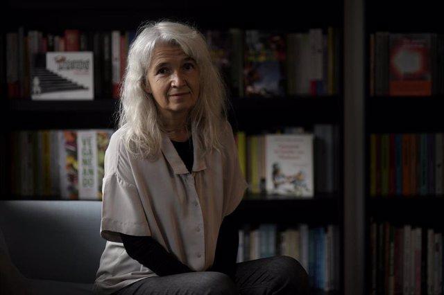 La escritora Belén Gopegui durante una entrevista para Europa Press sobre su nueva novela 'Existiríamos al mar'