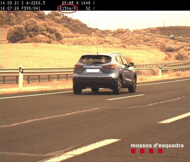 Els Mossos denuncien una conductora per conduir a 215 km/h