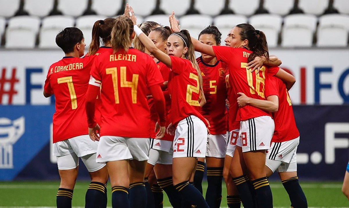 Spain sweeps the Faroe Islands and takes the first step towards the World Cup