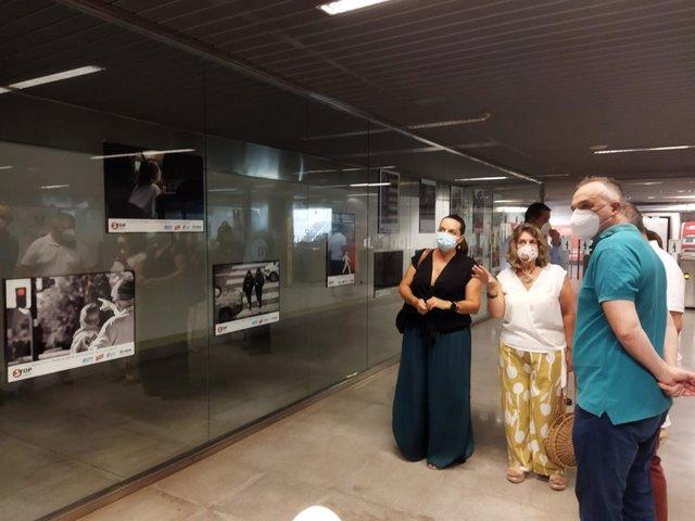 Ferrocarrils de la Generalitat Valenciana (FGV) i Stop Accidentes presenten en l'estació de Bailén de Metrovalencia l'exposició fotogràfica 'Peatón no atravieses tu vida'