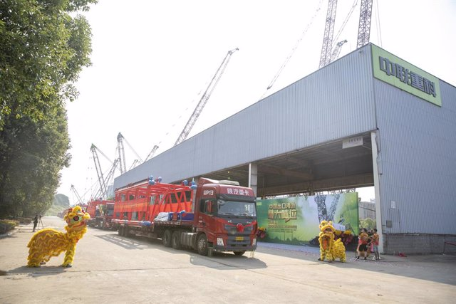 Zoomlion Breaks Yet Another Record for High-End Manufacturing, Exports China's Largest Tonnage Crawler Crane