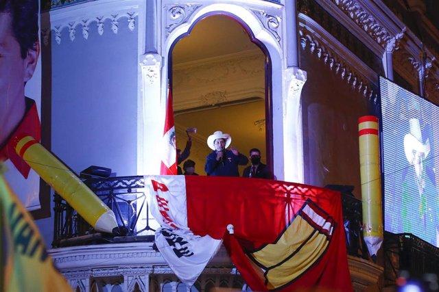 Archivo - El presidente de Perú, Pedro Castillo, en la sede de Perú Libre en Lima.