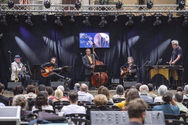 Una actuació del Mercat de Música Viva de Vic (Barcelona)