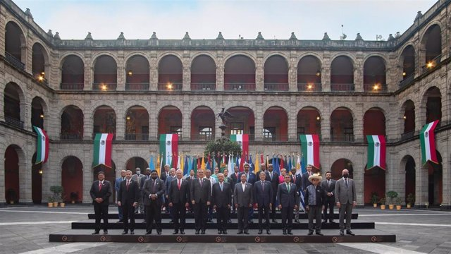 Representantes de los países de la Comunidad de Estados Americanos y Caribeños durante la cumbre de México