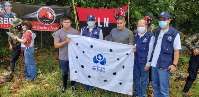 Los dos militares liberados este sábado por la guerrilla ELN en Colombia