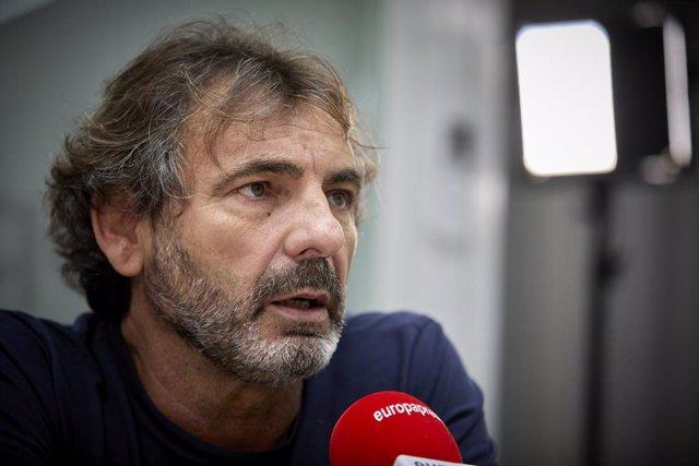 El director de la ONG Open Arms, Óscar Camps, durante una entrevista a Europa Press, a 13 de septiembre de 2021, en Madrid, (España). Camps realiza esta entrevista después de que el barco 'Astral' de Open Arms finalizase su misión 85. Tras dos rescates y