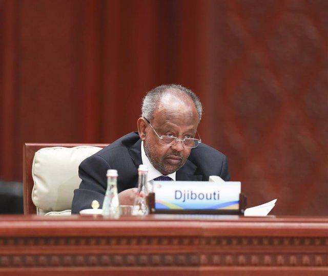 Archivo - El presidente de Yibuti, Ismail Omar Guellé, durante un foro internacional en China