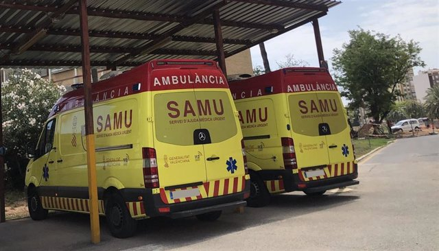 Archivo - Dos SAMU en la base