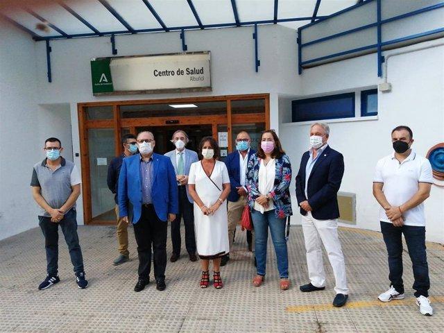 La viceconsejera de Salud y Familias presenta en Albuñol (Granada) el proyecto de lo que será el futuro centro de salud de la localidad
