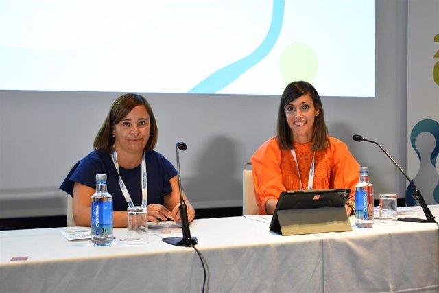 Las doctoras Isabel Castrejón y Vanesa Calvo, coordinadoras del X Curso SER Reumatopics, durante la inauguración.
