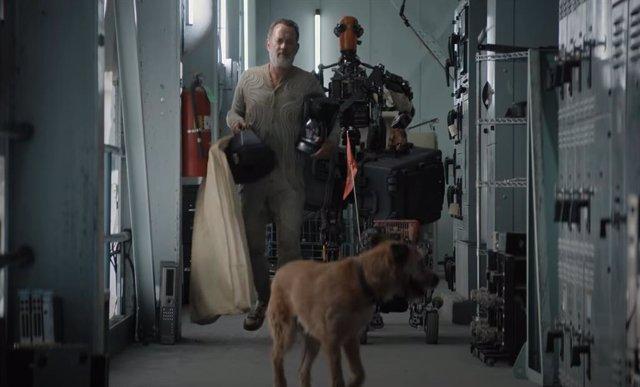 Tom Hanks sobrevive al Apocalipsis con un perro y un robot en el tráiler de Finch, la película de Apple TV+
