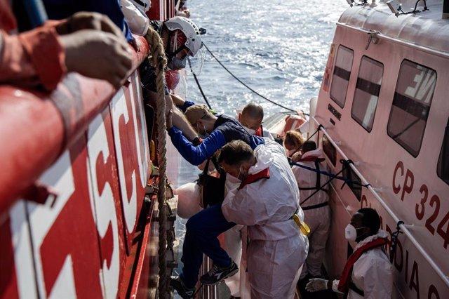 Rescate de migrantes por parte del 'Ocean Viking'