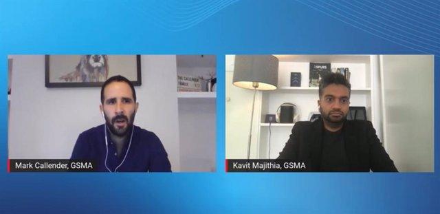 El director de màrqueting de l'organitzadora GSMA, Mark Callender, i l'editor de continguts, Kavit Majithia
