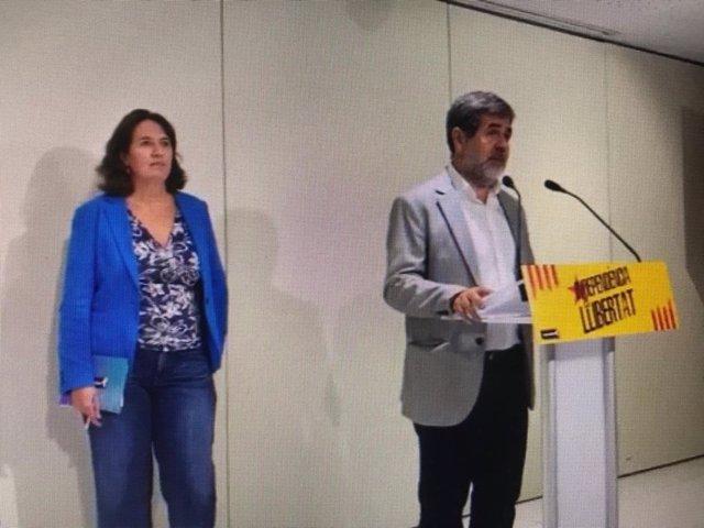 El secretari general de Junts i expresident de l'ANC, Jordi Sànchez, amb l'actual presidenta de l'entitat, Elisenda Paluzie