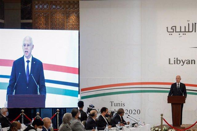 Archivo - 09 November 2020, Tunisia, Tunis: Tunisian President Kais Saied speaks at the opening of the UN-brokered Libyan Political Dialogue Forum. Photo: Khaled Nasraoui/dpa