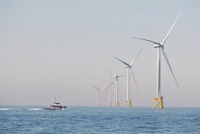 Archivo - Parque eólico marino de Iberdrola