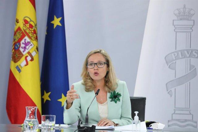 La vicepresidenta primera i ministra d'Assumptes Econòmics i Transformació Digital, Nadia Calviño, intervé en una roda de premsa posterior a la reunió del Consell de Ministres, a 21 de setembre de 2021, a Madrid, (Espanya).