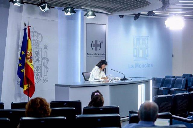 La ministra de Sanidad, Carolina Darias, durante una rueda de prensa posterior a la reunión del Consejo Interterritorial del Sistema Nacional de Salud, a 15 de septiembre de 2021, en Madrid (España). Ampliar el aforo en estadios y eventos deportivos y adm