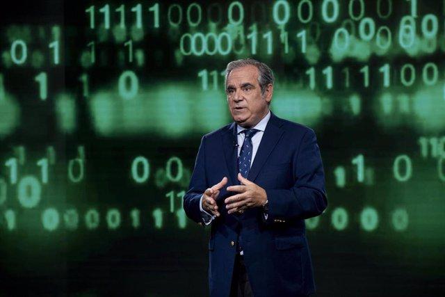 El presidente del Consejo General de Farmacéuticos, Jesús Aguilar.
