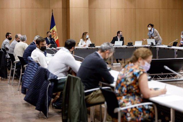 La ministra Sílvia Calvó presideix la Comissió Nacional de l'Energia i el Canvi Climàtic