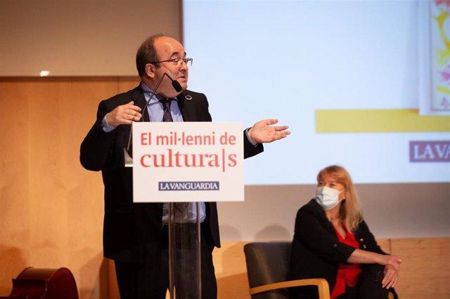El ministre Miquel Iceta i la consellera Natàlia Garriga, en la presentació de l'exposició 'El mil·lenari de Cultura/s'