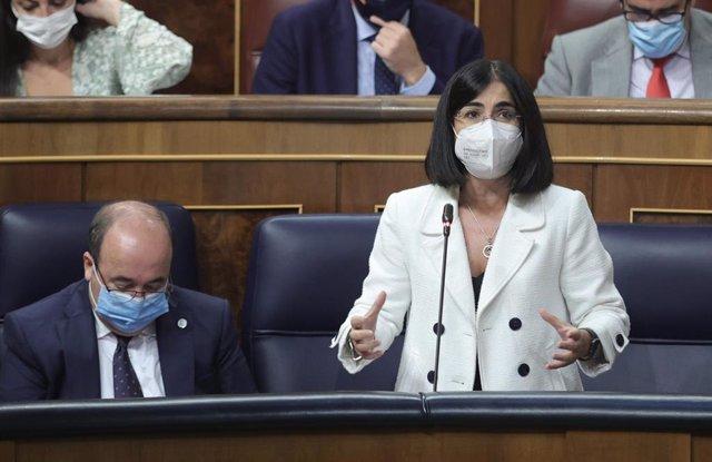 La ministra de Sanidad, Carolina Darias, interviene en una sesión de control al Gobierno en el Congreso de los Diputados, a 15 de septiembre de 2021, en Madrid, (España). En esta sesión, la primera del nuevo curso político, el Gobierno deberá responder a
