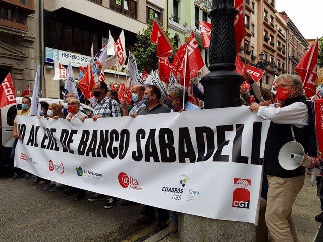 Arxiu - Mobilitzacions a Astúries contra ela ERO de Banc Sabadell