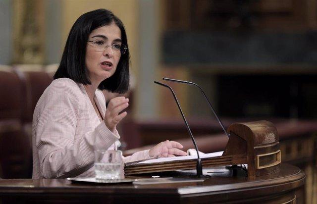 La ministra de Sanidad, Carolina Darias, interviene en una sesión plenaria posterior a un pleno de control al Gobierno en el Congreso de los Diputados, a 22 de septiembre de 2021, en Madrid, (España). El pleno ha estado marcado por la comparecencia de la