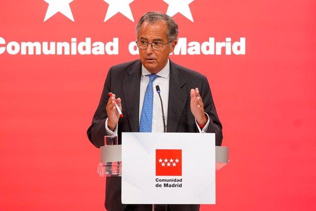 Archivo - El consejero de Educación, Universidades, Ciencia y portavoz de la Comunidad de Madrid,  Enrique Ossorio, comparece en rueda de prensa tras la reunión del Consejo de Gobierno de la Comunidad de Madrid, a 7 de julio de 2021, en Madrid, (España).