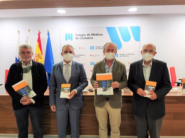 De izda. A dcha.: Dres., Arcadi Gual, José María Rodríguez, Tomás Cobo y Joan Monés.