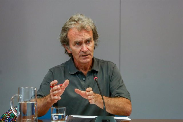 Archivo - El director del Centro de Coordinación de Alertas y Emergencias Sanitarias, Fernando Simón