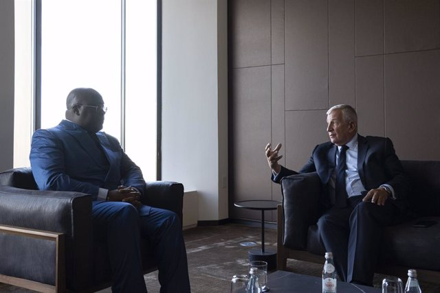 FII Institute CEO Richard Attias (right) speaks with Democratic Republic of the Congo President Félix-Antoine Tshisekedi Tshilombo about global collaboration on vaccine development at the FII Institute Health is Wealth roundtable in New York today, Septem