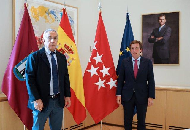 Reunión entre el alcalde de Madrid y el presidente del COE.