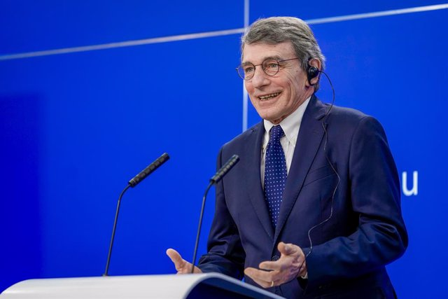 Archivo - HANDOUT - 12 February 2021, Belgium, Brussels: European Parliament President David Sassoli speaks during a joint press conference with Portuguese Prime Minister Antonio Costa and   European Commission President Ursula von der Leyen and after the