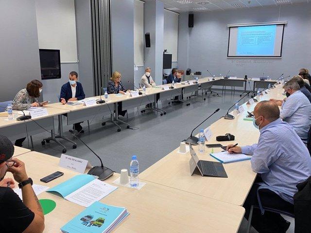 Imatge de la primera reunió de la taula